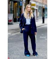 时尚潮人穿搭,宝蓝灯芯绒套装