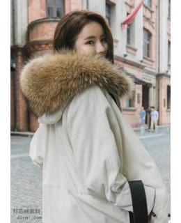 时尚的泡泡灯芯绒-仙气白色灯芯绒大衣