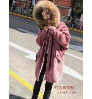 时尚的泡泡灯芯绒-可爱粉色灯芯绒大衣