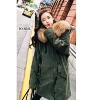 时尚的泡泡灯芯绒 – 绿色灯芯绒大衣