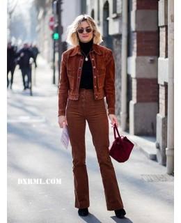 灯芯绒修身长裤搭配灯芯绒小短外套,精神干练又时尚