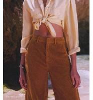 女装灯芯绒裤子配什么上衣?四种灯芯绒裤子时尚搭配分享