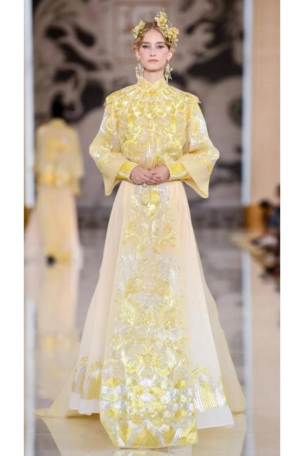 中国传统服饰之美!如意式云肩的设计秀场