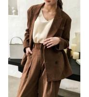 灯芯绒衣服的穿搭推荐:灯芯绒西装外套+阔腿裤