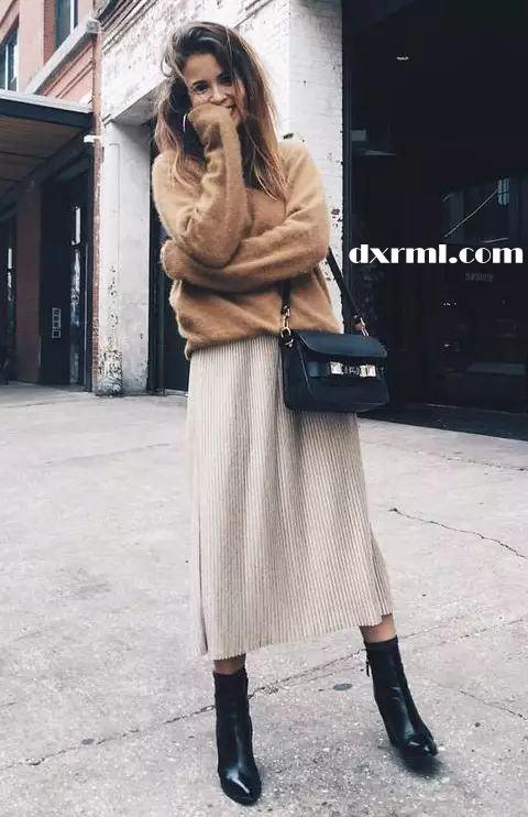 灯芯绒铅笔裙