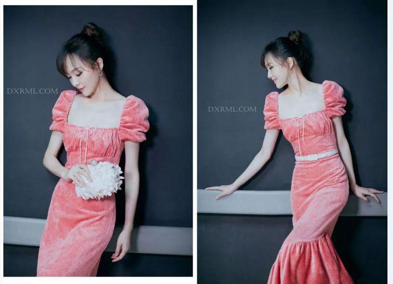 糖糖的灯芯绒裙子
