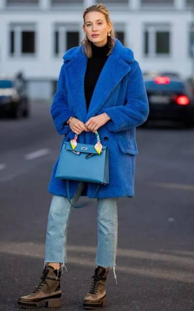 Classic blue穿搭