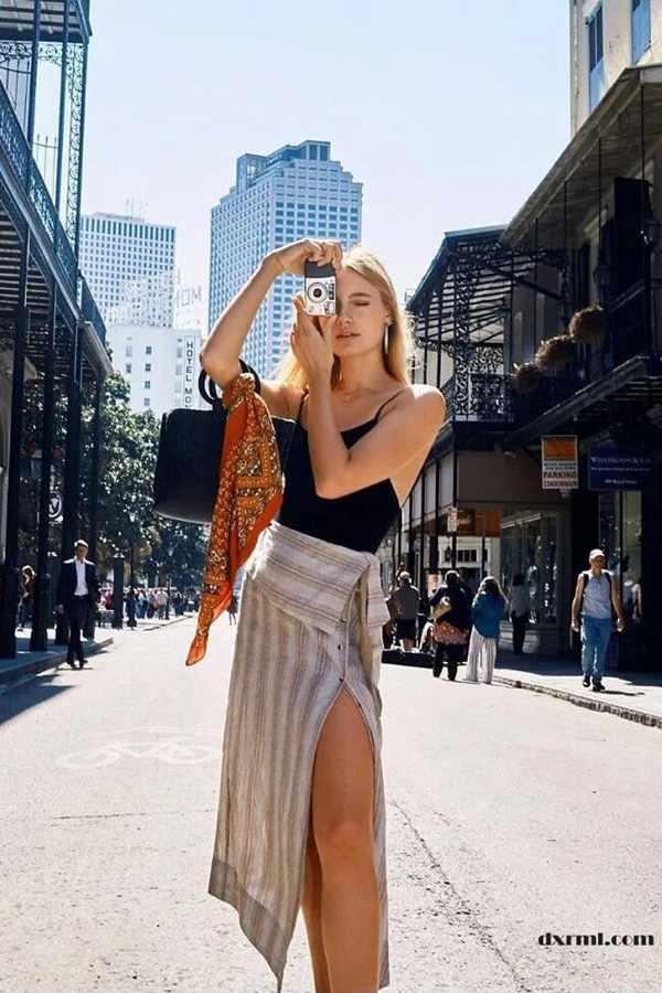 时尚圈复古元素盛行:亚麻半裙