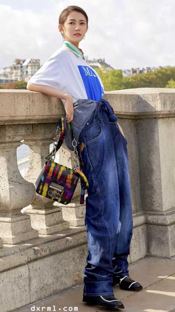 时尚圈流行牛仔单品
